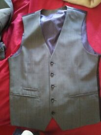 3 Piece Suit, Grey, 2 button, blazer 36S, trousers 32x30 32S