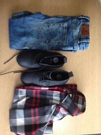 RIVER ISLAND Boys complete outfit Skinny jeans - Shirt - Black boots Like new