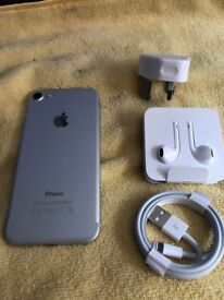 IPHONE 7 on EE mint condition 32 gb
