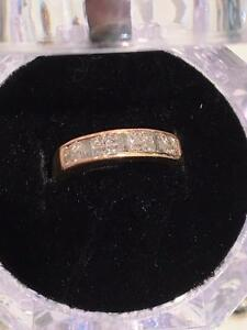 #1169 14K BEAUTIFUL WEDDING BAND SIZE 5 1/2