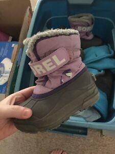 Size 9 Girls Sorel boots