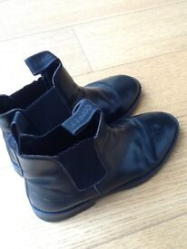 Jodhpur boot ankle style ladies riding boots. Leather. Worn in but certainly not worn out ! Size 6