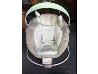 Ingenuity Baby Bouncer/Vibrating chair