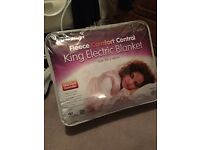 King size electric blanket with controller