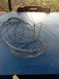 WIRE  PLANT  BASKETS