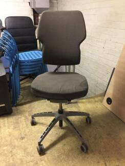 Executive Swivel White Chair | Office Chairs | Gumtree Australia Perth City Area - East Perth | 1192005884 & Executive Swivel White Chair | Office Chairs | Gumtree Australia ...