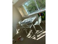Dining table + 4 Chairs set - Mint condition, ready to be picked up
