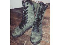 Dr Marten size 5/6 Triumph boots