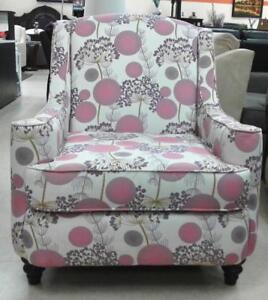 CLEARANCE SALE ON ACCENT CHAIR  (FD 171)