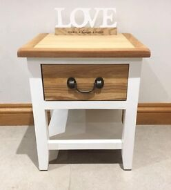 ***REFURBISHED*** Shabby Chic Oak Sidetable/Coffee Table/Bedside Table***£49***
