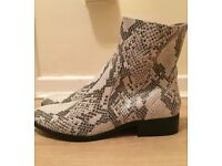 New River Island Black and White Boots