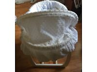 Moses basket from mama and papa white