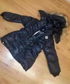 Brand new with tags girls moncler coat. All fleeced inside . age 4. And colour is navy