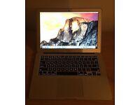 MacBook Air 13-inch Laptop (1.6 GHz, 4 GB RAM, 256 GB) - MacBook Air A1466