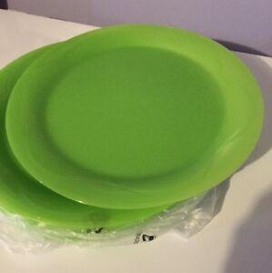 TUPPERWARE 6-Pc Dinner Plates. BRAND NEW