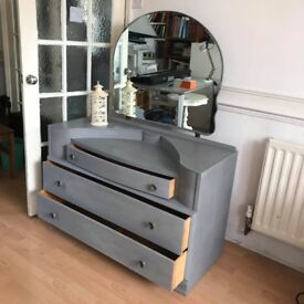 DRESSING TABLE - MIRROR