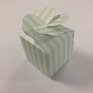 LARGE-cup-cake-muffin-boxes-wedding-favour-heart-lid-pack-x10-sweet-box-green