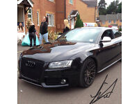 Here we have a stunning Audi S5 fully loaded, with every extra possible !!