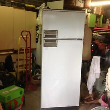 Kelvinator no frost refrigerator/freezer 310 litre approx. Montmorency Banyule Area Preview