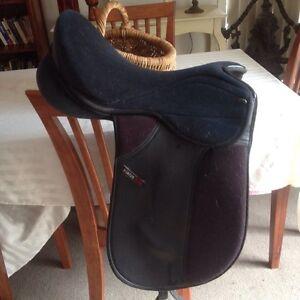 "Status dressage saddle 16.5"" Wyndham Vale Wyndham Area Preview"