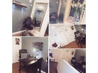 Beauty room/Nail desk for rent