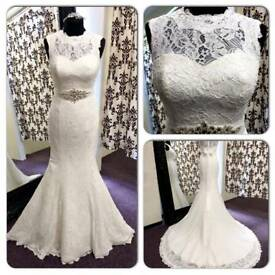 Lace wedding dress with removable belt size 16