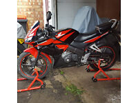 Honda Cbr125 aftermarket exhaust and down pipes. Led indicators , new tyres long MOT