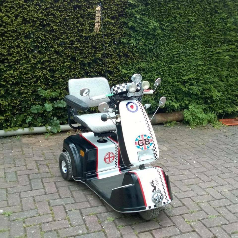 mobility scooter converted to lambretta vespa style one off mod styling in leicester. Black Bedroom Furniture Sets. Home Design Ideas
