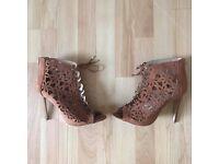 Brown Heels size 8