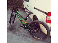 Specialized Demo 8 carbon 2016 model - size medium Downhill bike