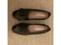 Leather Loafers (black / second hand) - Office
