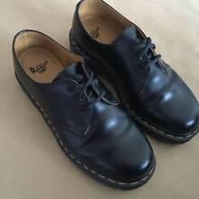 Dr Martens Classic 3-Eye Shoes Carlton Melbourne City Preview