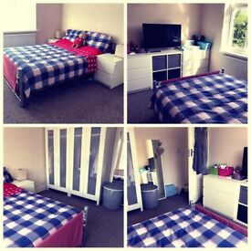 Big double room available in Edmonton, Angel Road