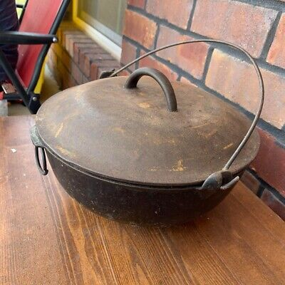 Vintage Cast Iron Dutch Oven pot with lid #3 Hanging Bean Pot Old