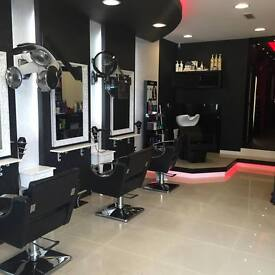 Nails Technician and eyelashes extension stylist required 300-500p/w