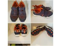 CLARKS CHILDRENS TRAINERS SIZE 1.5F