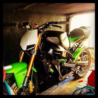03 04  zx636 stunt bike