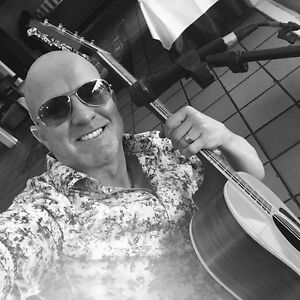 Acoustic Guitarist / DJ Oxenford Gold Coast North Preview