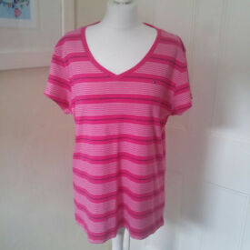 Tommy Hilfiger t-shirt/blouse UK size XL
