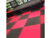 72 x 40mm Standard Jigsaw Mats Red/Black for Fitness, Martial Arts, Karate, Kickboxing, CE certified