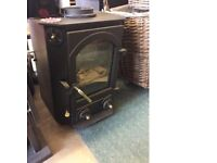 NEW. TOWN AND COUNTRY FARNDALE STOVE 5Kw STOVE RRP £996 - 30%.