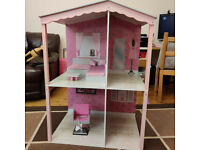 Design a Friend Dolls House & Furniture