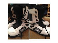 Dc phase 2012 boots size 10 NEVER USED