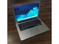 """MacBook Air 13"""" - 1.4GHz - i5 - 8gb - 256gb - PERFECT CONDITION"""