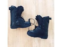 Mens Saloman Black Snowboard Boots, UK 8