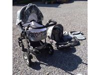 Beautiful Pram & Stroller (2&1) in Very Good condition!