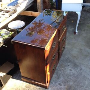 CHEST of DRAWERS, from the 70's ? Carina Heights Brisbane South East Preview