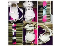Women's snowboard boots and bindings