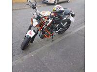 2013 ktm Duke 125cc Motorbike