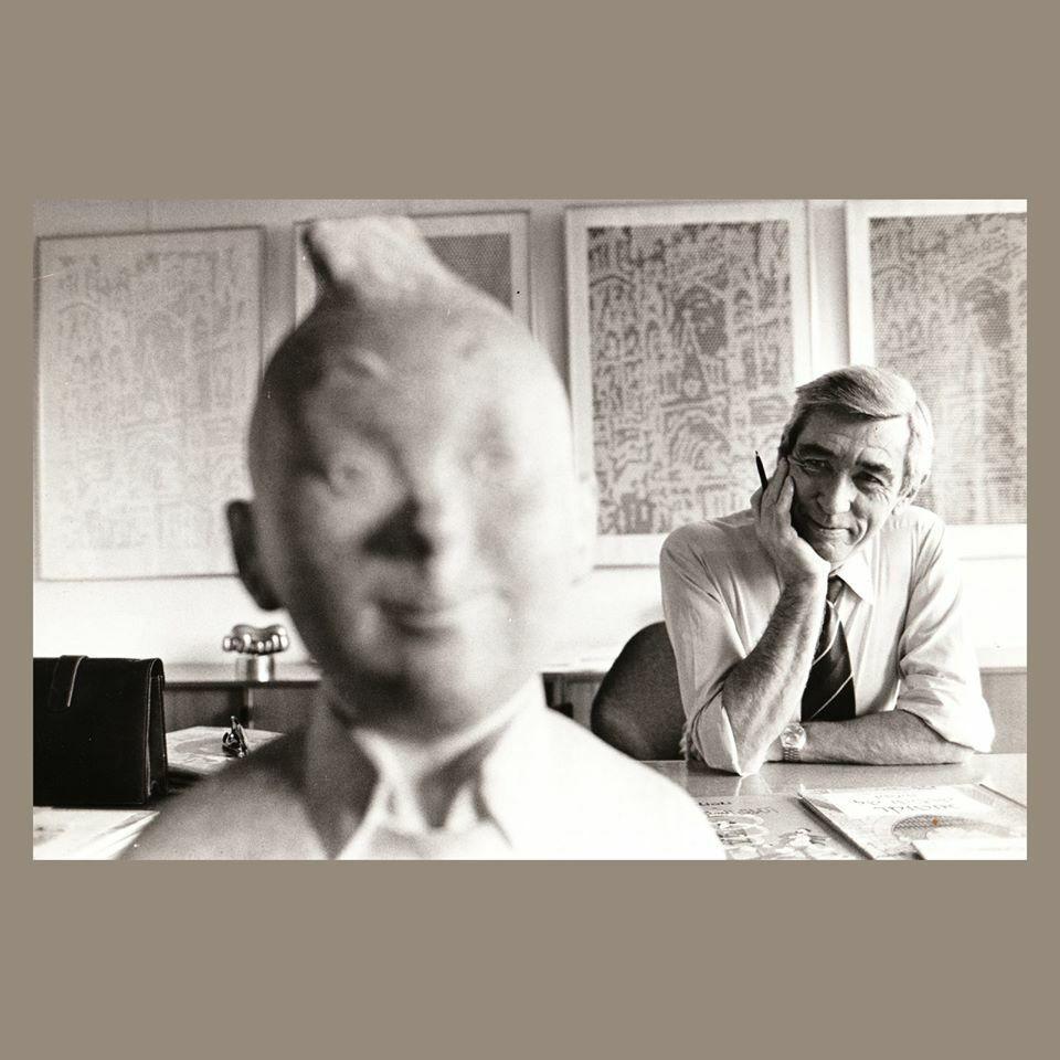 Portrait d'hergé dans son appartement - pavlovsky jacques - agence sygma